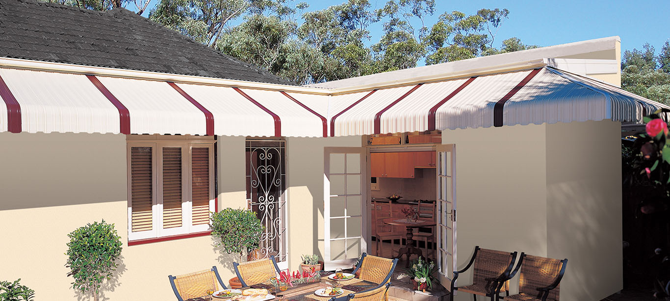Fixed metal Awnings | Outdoor Awnings | Luxaflex®