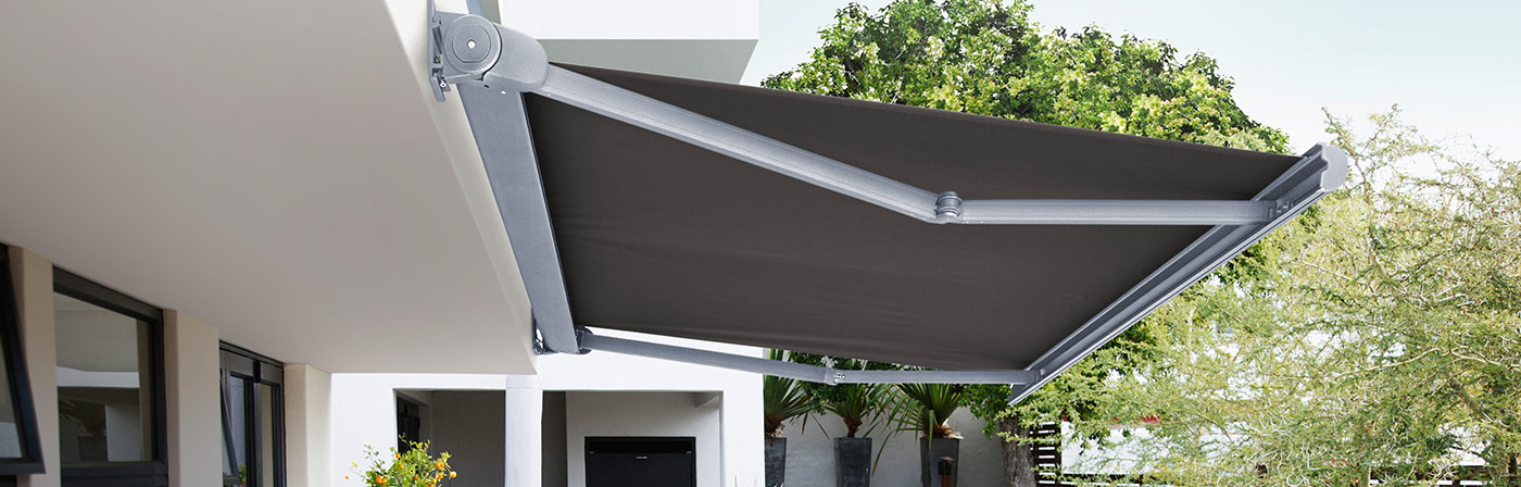 Luxaflex Showcase - Products - Exterior Collection - Folding Arm Awnings Bottom