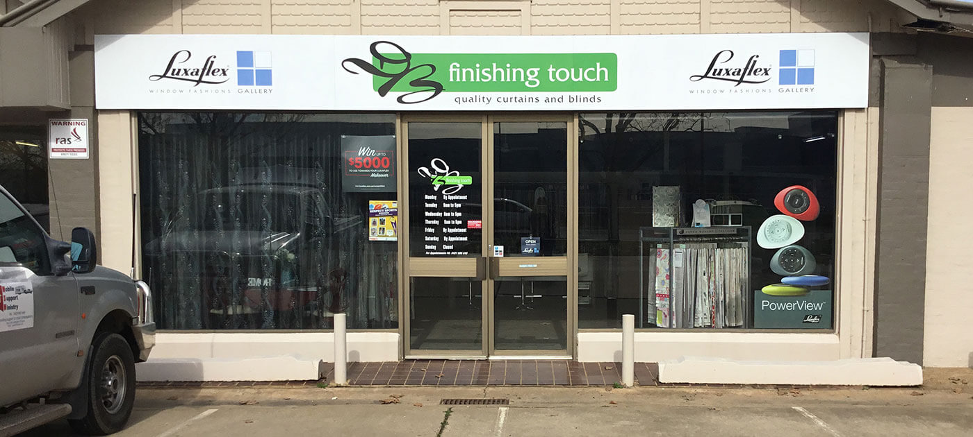 Luxaflex-DB-Finishing-Touch-Front-of-Store-Wagga-Wagga