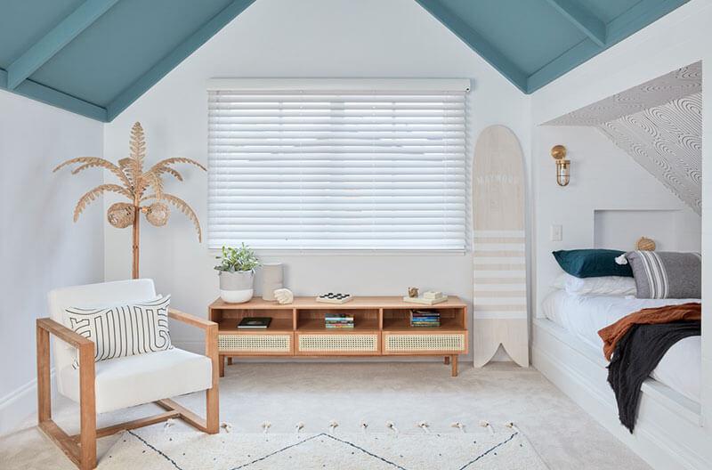 Luxaflex Wood Essence venetian blinds in childs bedroom.